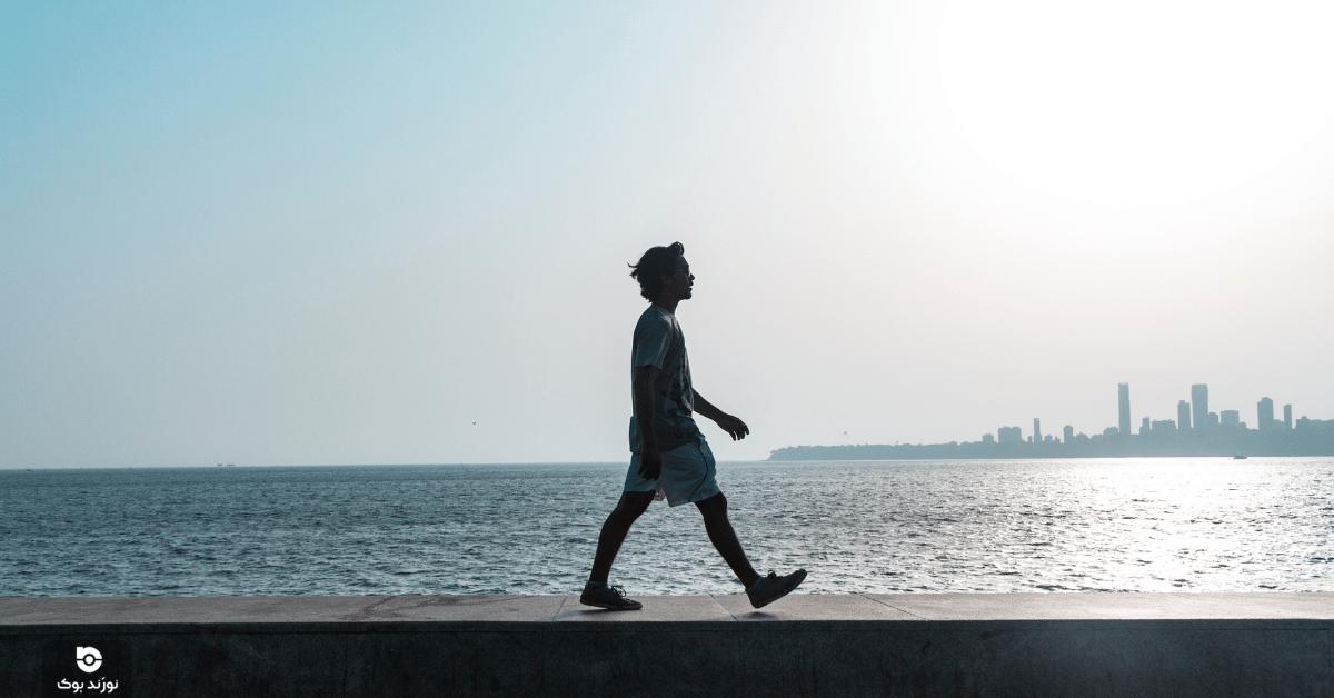 پیادهروی یکی از روشهای خوب برای کم کردن استرس است.